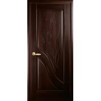 Двері Маестра Амата каштан глухі з гравіюванням