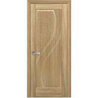 Двері Маестра Прима золотий дуб глухі з гравіюванням