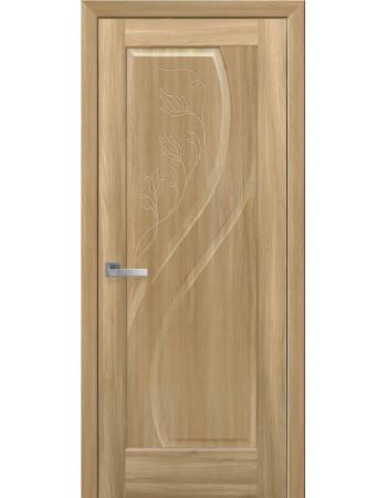 Дверь Маэстра Прима золотой дуб глухая с гравировкой